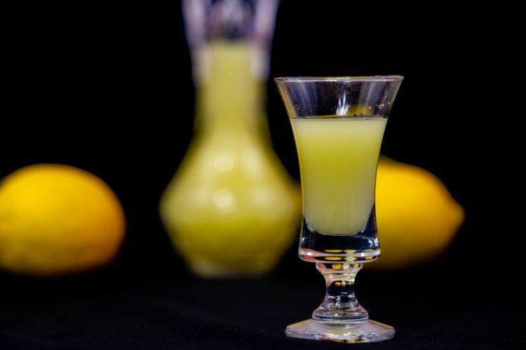 Limoncello – boski likier ze skórek cytryn